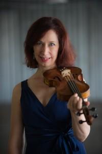 Andrijeski photo with violin straight on