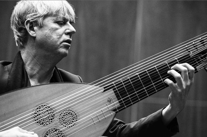Norwegian theorbo player and baroque guitar Rolf Lislevand highlights two composers on his new disc. (Caterina di Perri : ECM Records)