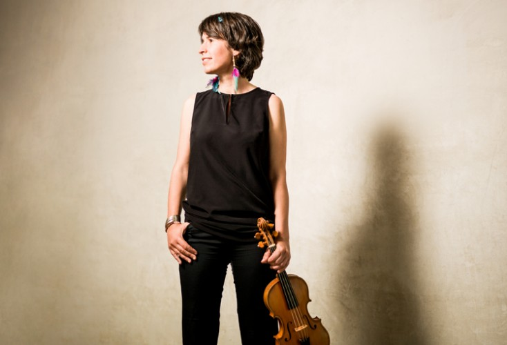 Amandine Beyer, founder of the ensemble Gli Incognoti, plays Vivaldi violin concertos with Giuliano Carmignola on a new CD.