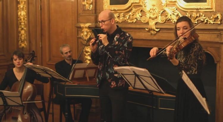 Recorder player Erik Bosgraaf with Ensemble Cordevento.