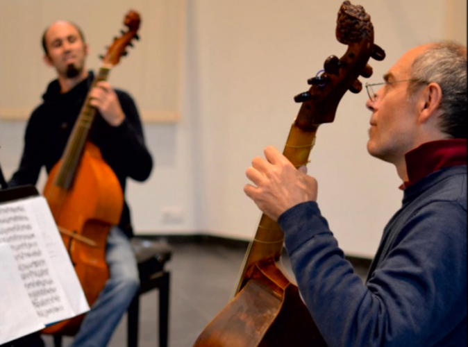 Viola da gamba players Robert Smith and Paolo Pandolfo perform with elegance and panache on their new disc.