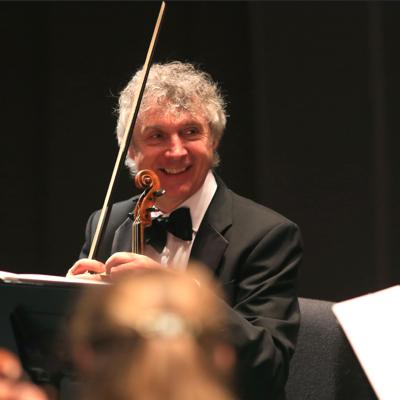 Concertmaster Paul Hanson (Randy Tunnell)