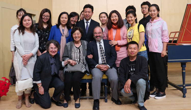 Mark Kroll, center, with Carol Lieberman (front left), Zhou Guangren (seated next to Kroll), Shen Fanxiu (standing behind Lieberman), Liu Xiaolong (standing behind Kroll), and harpsichord students at Peking University. (Photos courtesy of Mark Kroll)